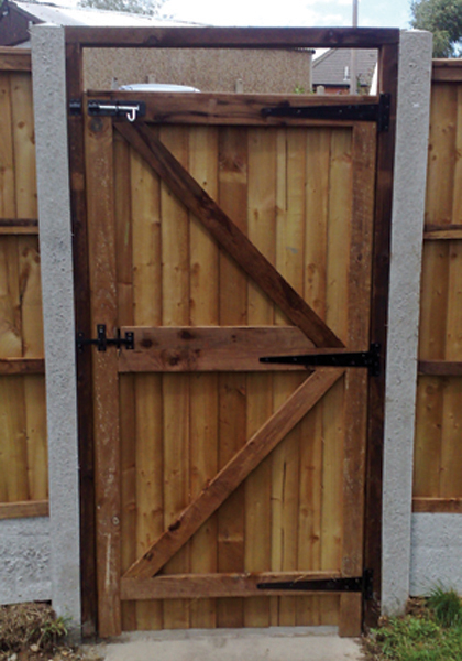 fencing bespoke garden clitheroe empress gate lancashire gates